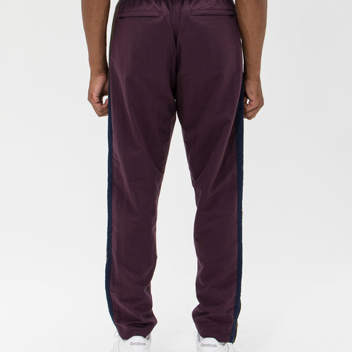 UNDEFEATED SIDE PANEL TRACK PANT Image 17