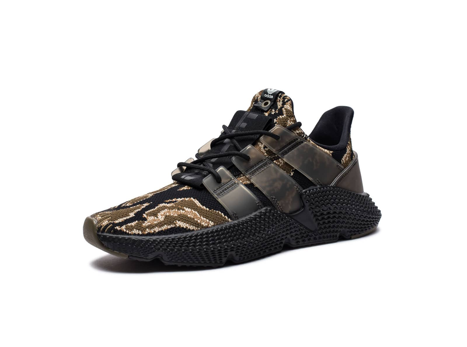 on sale a00bc 9c33f UNDEFEATED X ADIDAS PROPHERE - BLACKTRAOLIVERAWGOL