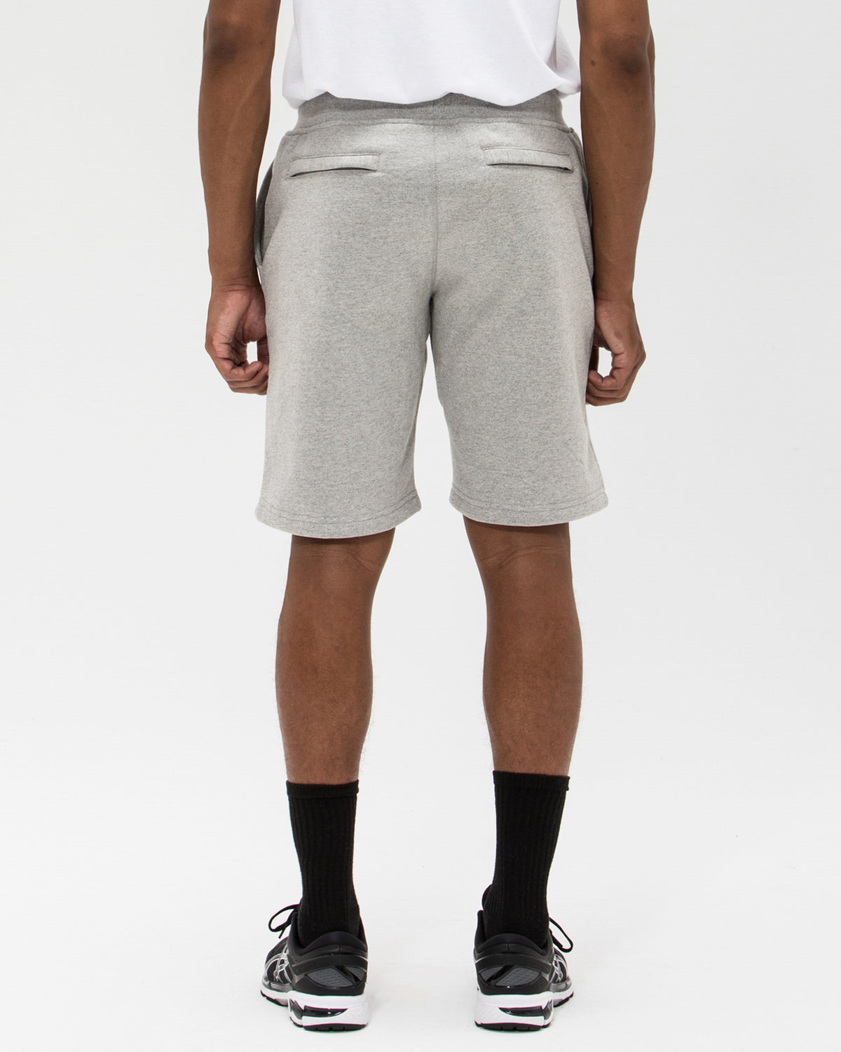UNDEFEATED ICON SHORT