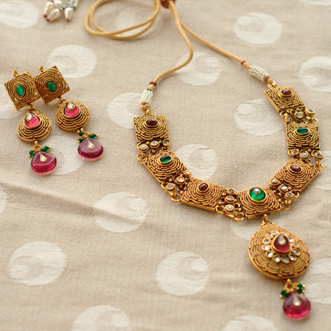 Rasiya Necklace and Earrings