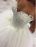 Gorgeous Pearls Ball Gown Sweetheart Lace Applique Beads Tulle Princess Wedding Dress