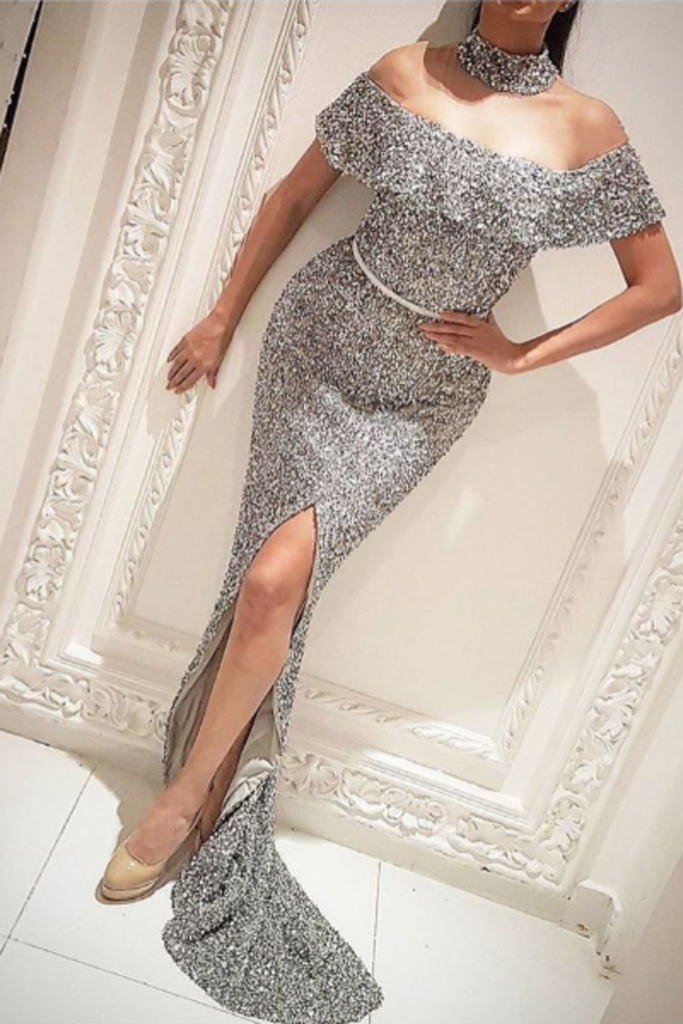 2019 Boat Neck Prom Dresses Mermaid Sequins With Sash And