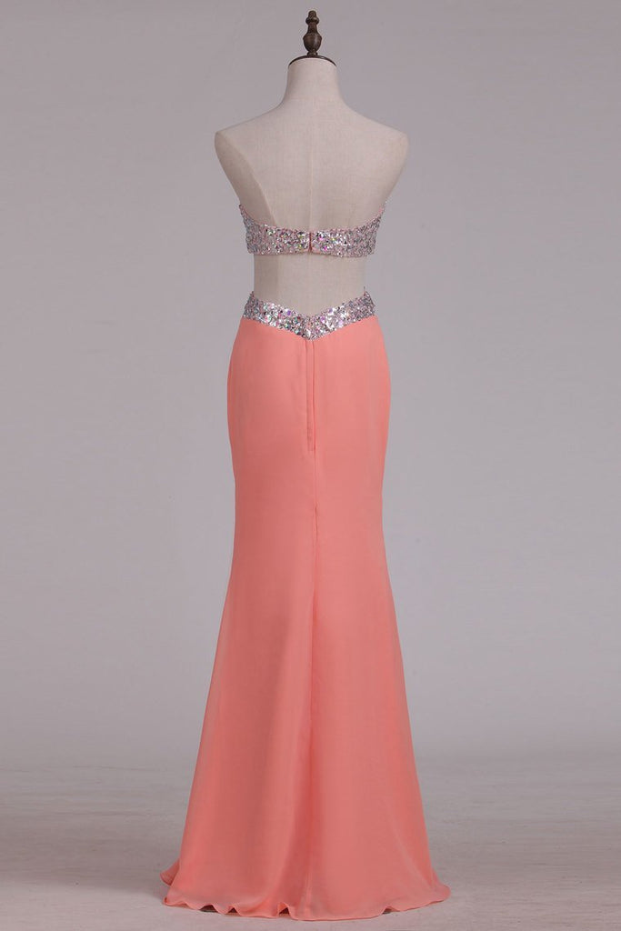 2019 Scalloped Neckline Beaded Bodice Prom Dresses Sheath Chiffon With