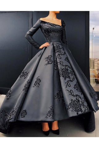 A Line Long Sleeves Satin Prom Dresses With Applique