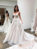 Chic Spaghetti Strap V Neck Tulle Beach Wedding Dresses 3D Appliqued Bridal Dresses
