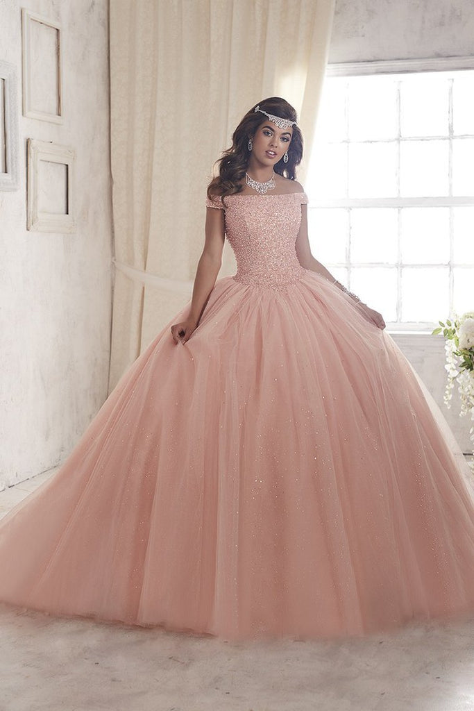 2019 Ball Gown Boat Neck Quinceanera Dresses Tulle With Beading
