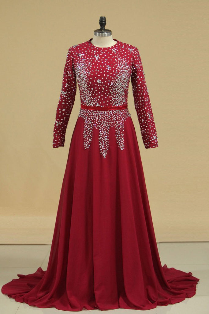 2019 Muslim Prom Dresses Long Sleeves With Beading Floor Length
