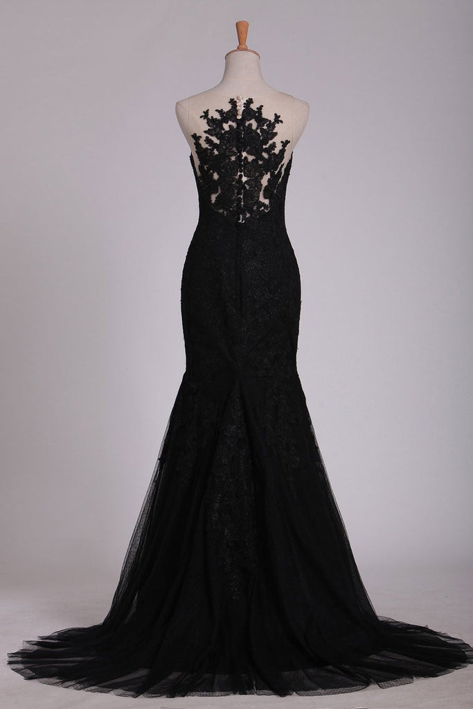 Black Evening Dresses Scoop Tulle With Applique Sweep Train Mermaid/Trumpet
