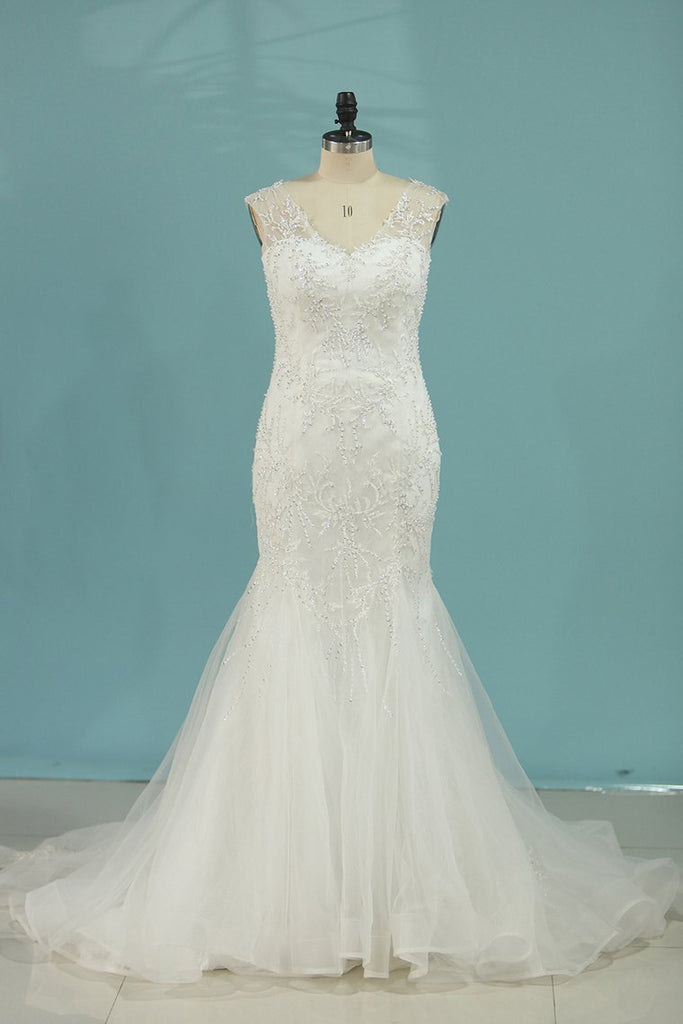2019 Mermaid/Trumpet Wedding Dresses V-Neck Chapel Train Tulle With Applique