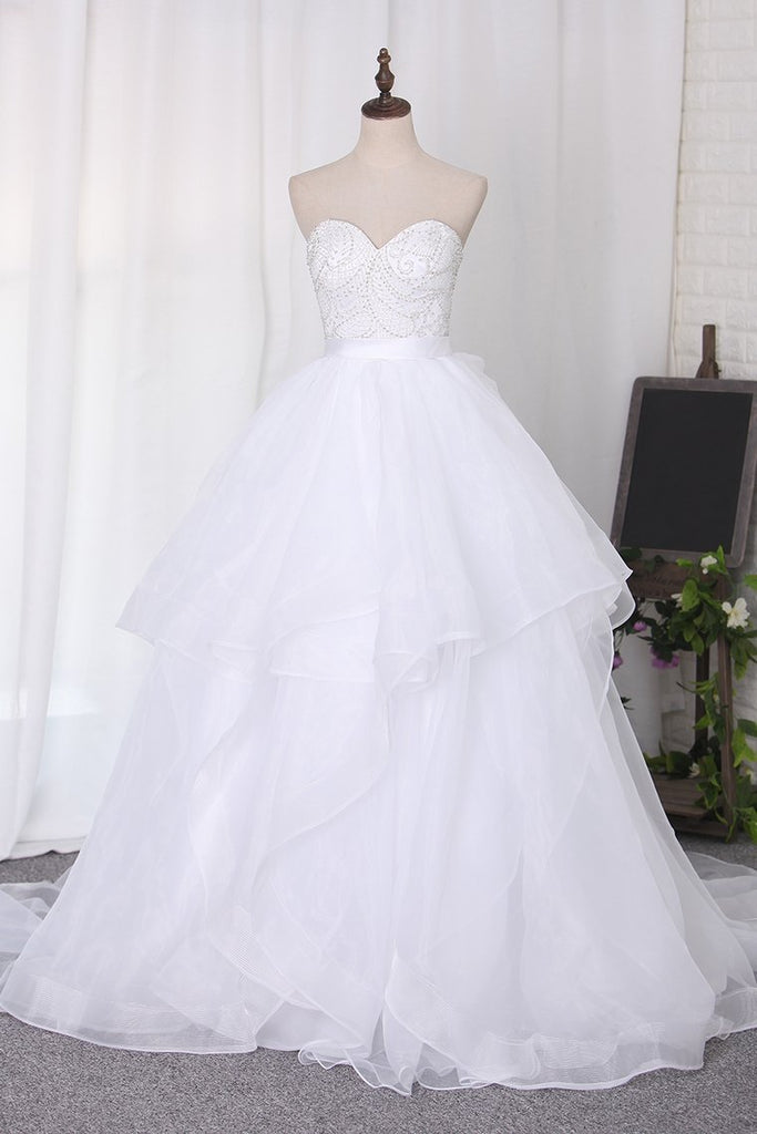 2019 Wedding Dresses Sweetheart Beaded Bodice Court Train