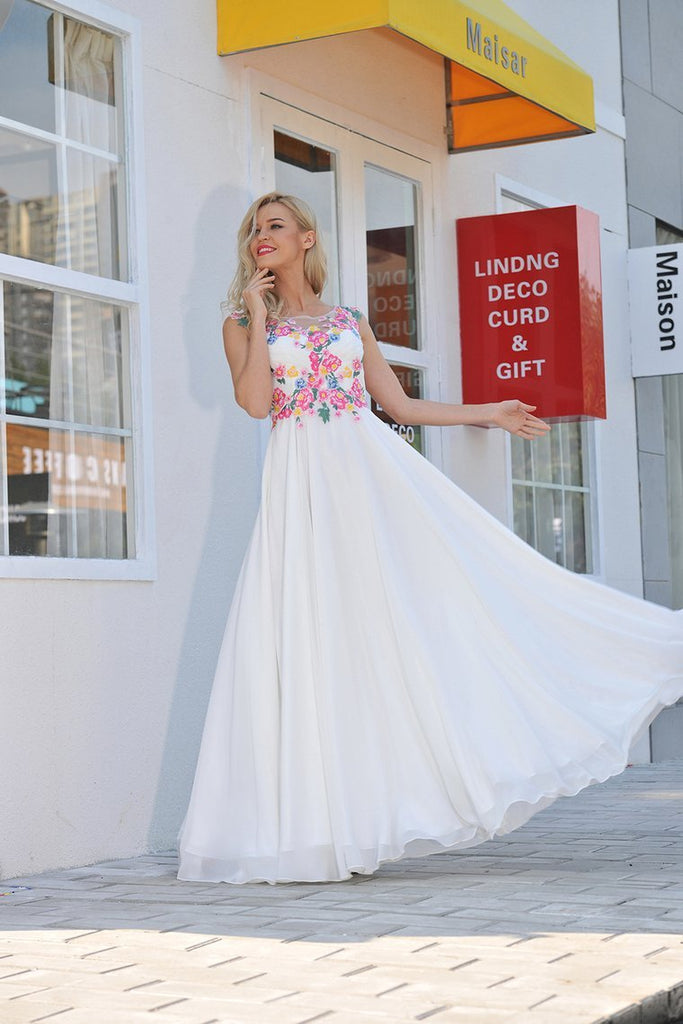 2019 Prom Dresses Scoop Chiffon With Applique And Ruffles