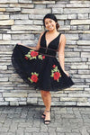 Flower Embroidered Junior V Neck Homecoming Dresses Short Black Lace Hoco Dresses