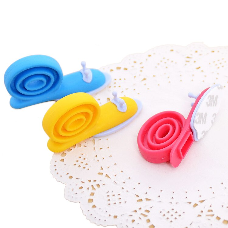 1pcs Anti-pinch Safety Baby Silicone Door Stop Security Card Home Decor Colors Hanging Cute Cartoon snails Style