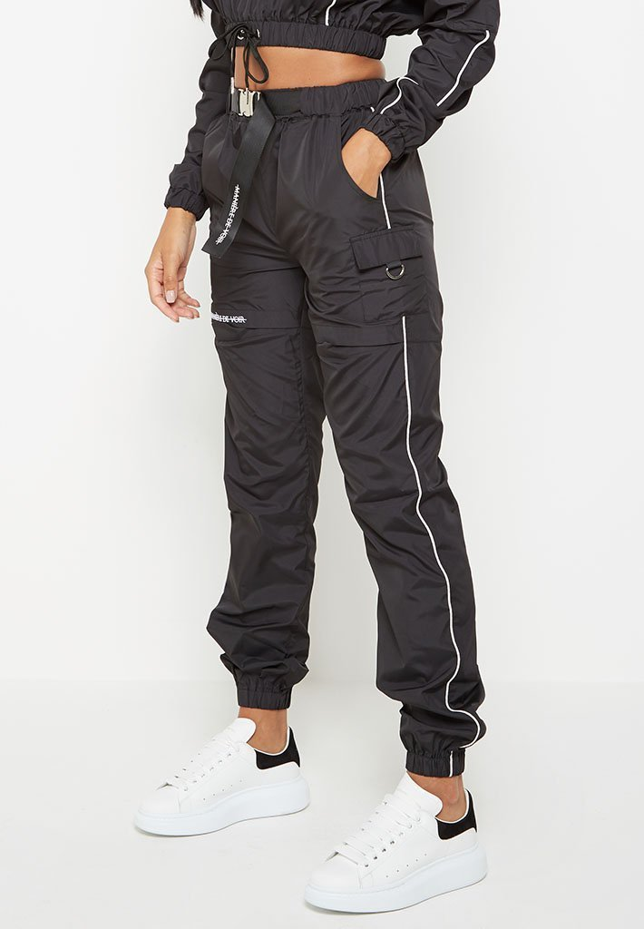 buckle-detail-piped-joggers-black