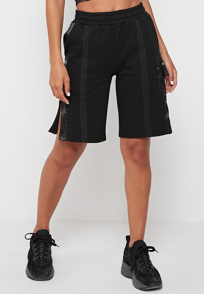 bermuda-shorts-with-satin-pocket-black