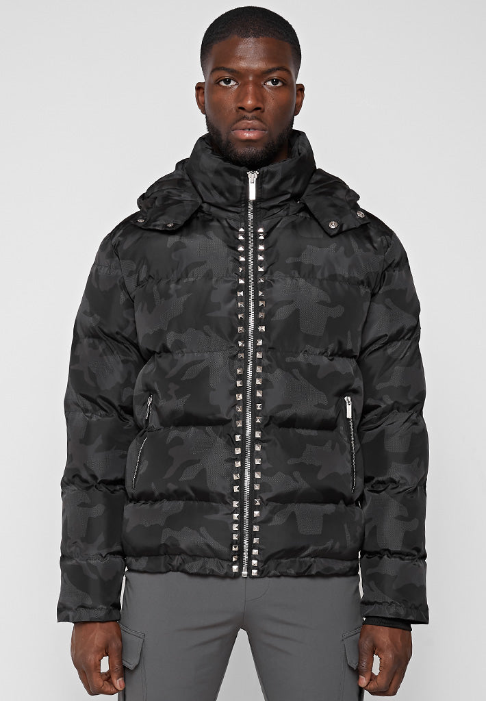 camo-studded-puffer-jacket-black