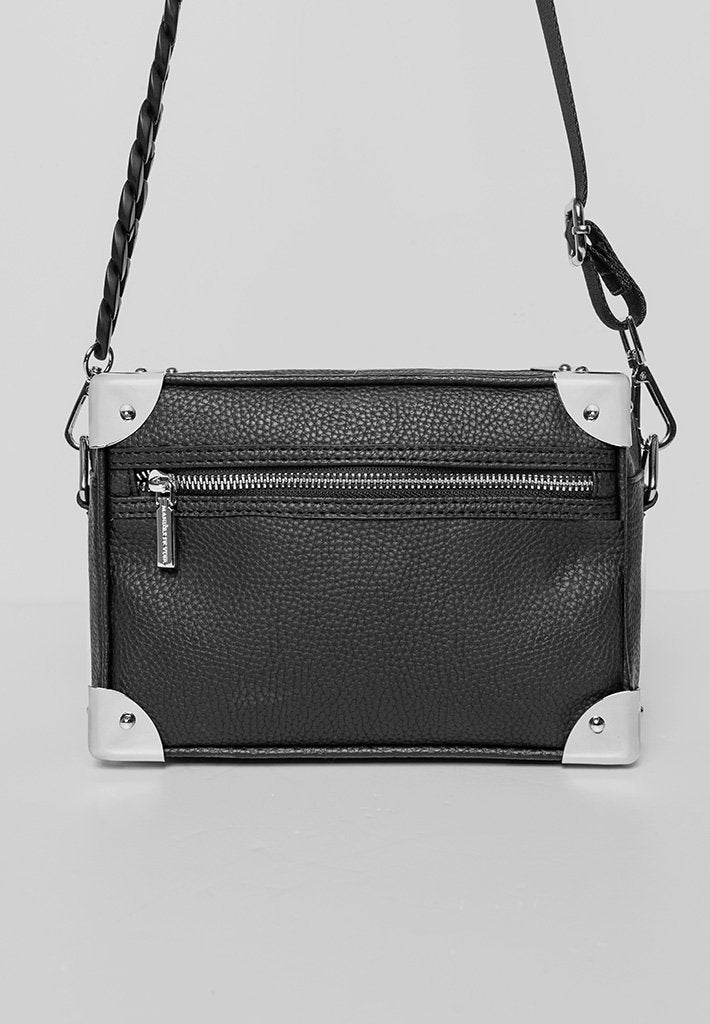 chain-detail-box-bag-black
