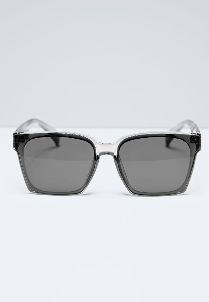 oversized-clear-square-sunglasses-grey