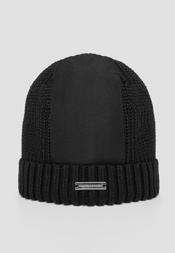 knitted-panel-beanie-hat-black