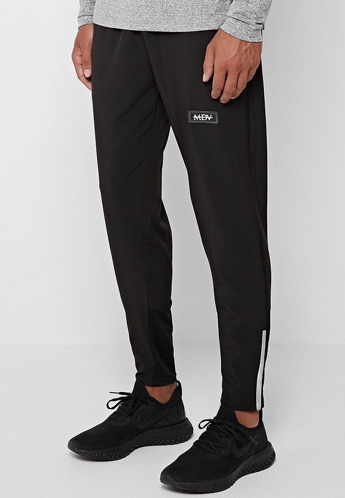 lightweight-jogger-black