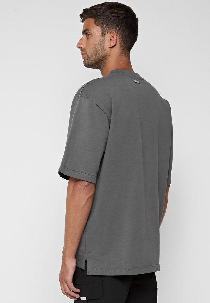 loose-fit-t-shirt-with-chain-charcoal