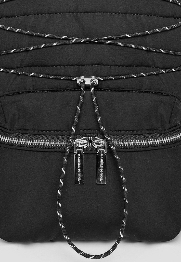reflective-bungee-cord-backpack-1