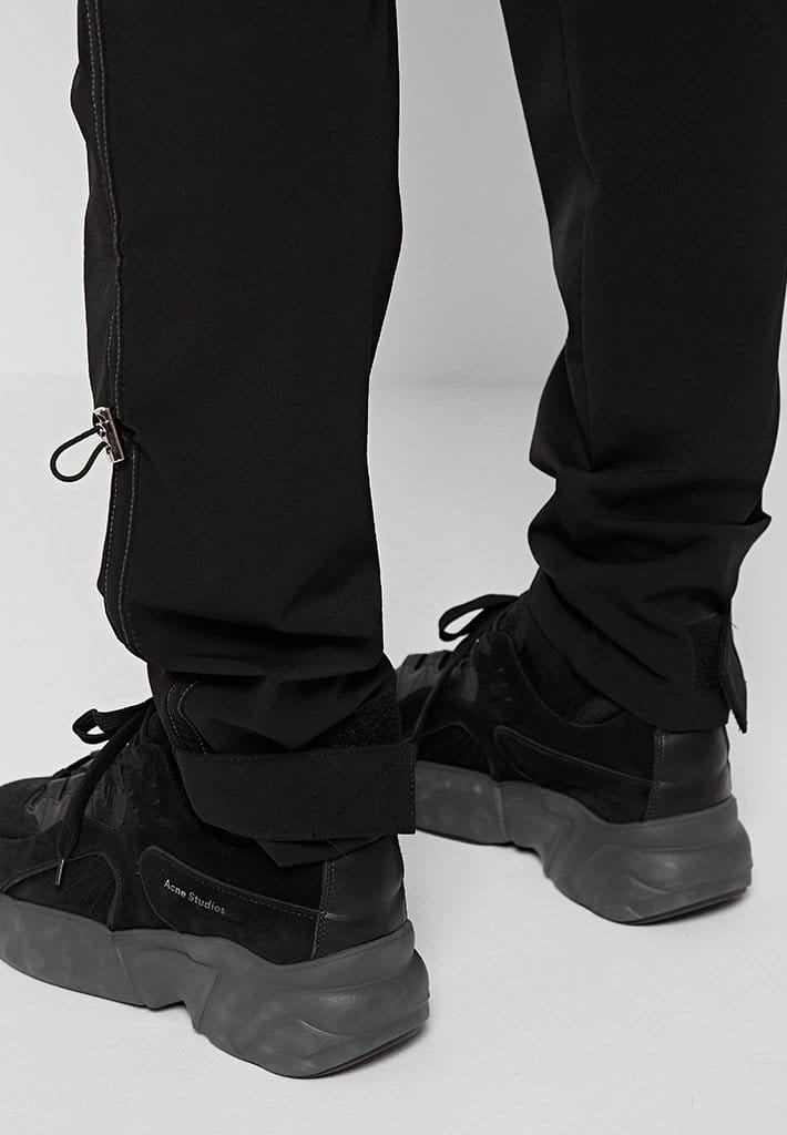 technical-bungee-cargo-pants-black