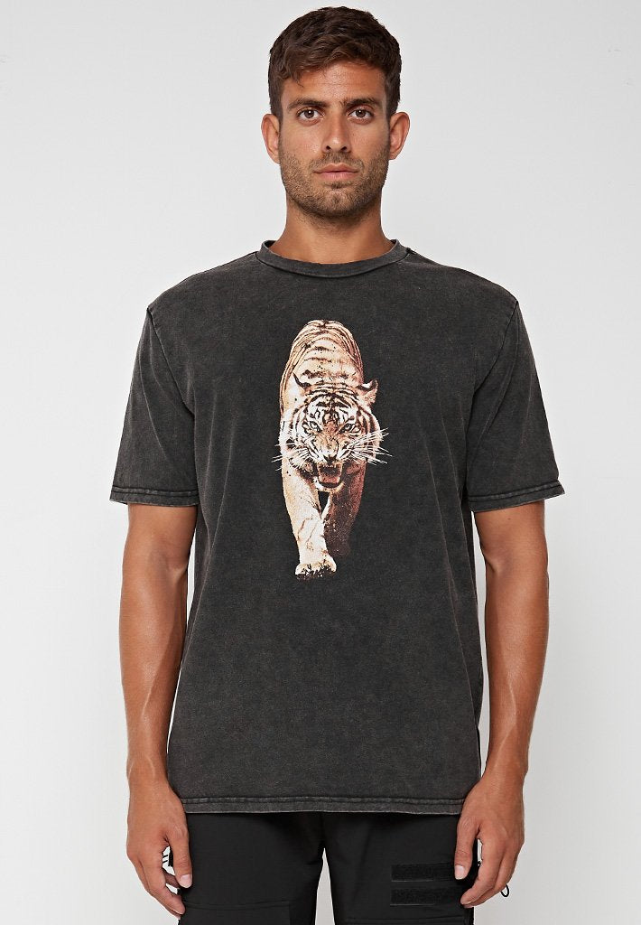 washed-tiger-graphic-t-shirt-black