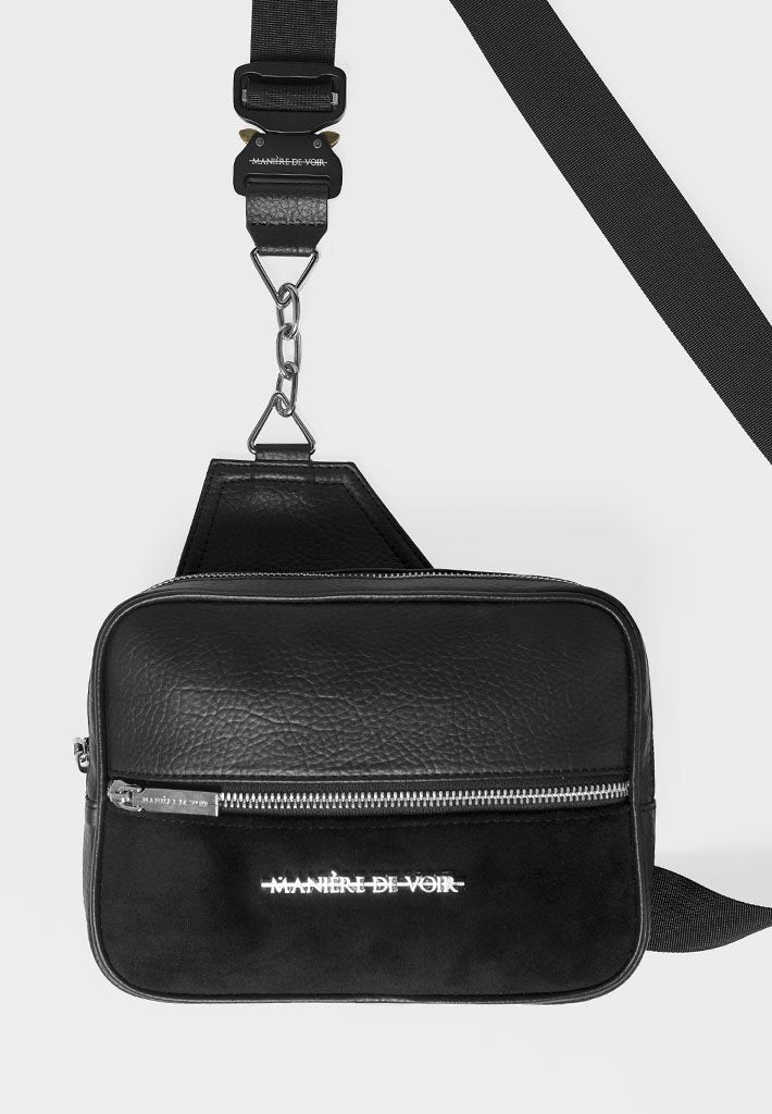 buckle-detail-crossbody-bag-with-chain-black