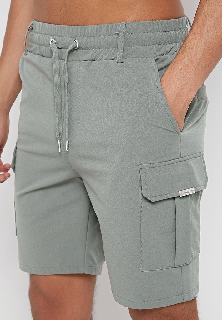 technical-cargo-shorts-olive-green