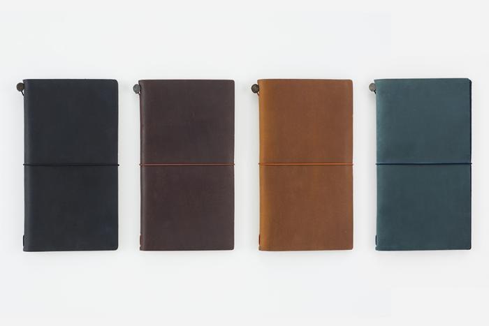 TRAVELER'S notebook different colors