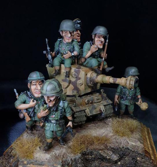 The Big heads. Armed and dangerous. Yufan Models review YFWW-2015