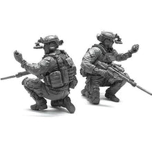 Load image into Gallery viewer, 1:35 US Modern Special Forces Soldier w/ Grenade Resin Scale Model