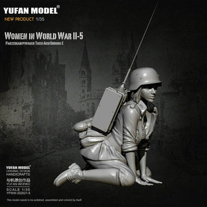1:35 German Female Radio Operator Soldier Tiger Tank Crew Model Resin Scale Military Figure YFWW-2065-5 - Yufan Models Store