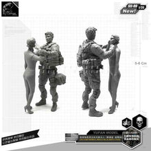 Load image into Gallery viewer, 1:35 US Army Soldier And Wife Resin Scale Figure SII-06 - Yufan Models Store