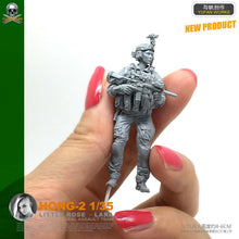 Load image into Gallery viewer, 1:35 US Special Forces Female Soldier Resin Scale Figure HONG-02 - Yufan Models Store