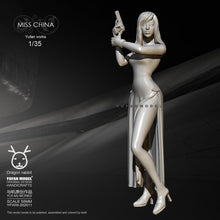 Load image into Gallery viewer, new 55mm1/35 Resin Figure Kits Yufan Model Cheongsam female self-assembled YFWW35-2047