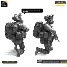 Load image into Gallery viewer, Yufan Model  1/35 Figure  Resin Soldier  Of Us Seals Model Kit Unmounted LOO-04