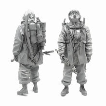 Load image into Gallery viewer, 1:35 Postapocalypse Stalker Soldier with Flamethrower in a Gas Mask Resin Scale Figure A18-01 - Yufan Models Store