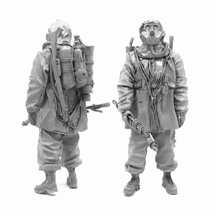 1:35 Postapocalypse Stalker Soldier with Flamethrower in a Gas Mask Resin Scale Figure A18-01 - Yufan Models Store
