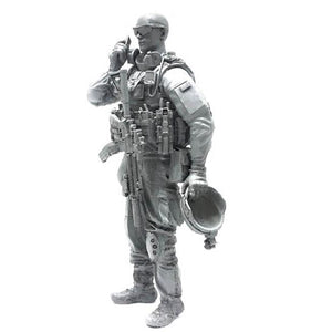 1:35 US Marines Soldier Talk on a Cellphone Resin Scale Figure BEE-11 - Yufan Models Store