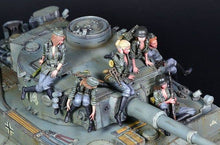 Load image into Gallery viewer, 1:35 Full 6 pcs Set German Female Crew for Tiger Tank Model Resin Scale Military Figures YFWW-2065