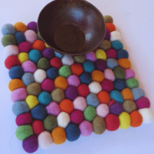 Load image into Gallery viewer, Felt Balls Trivet Multi