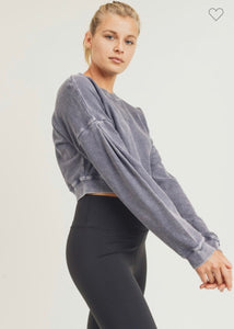 Cropped mineral washed sweatshirt in plum gray with folded sleeve detail
