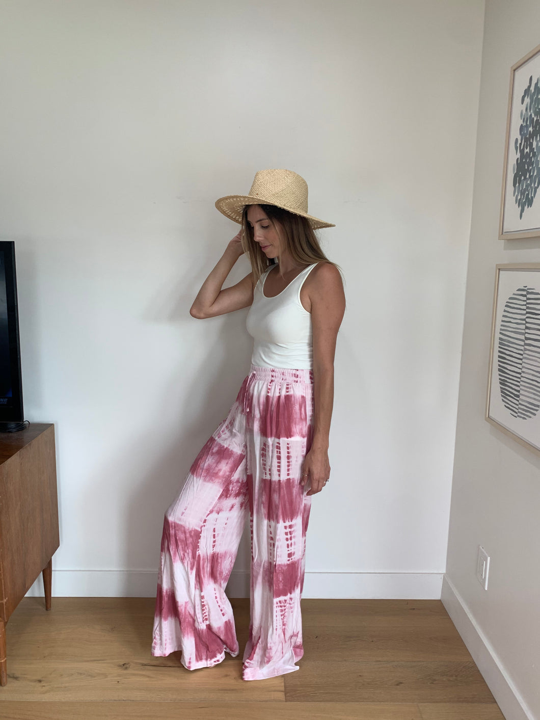 Pink and white die dye pant with pockets and drawstring