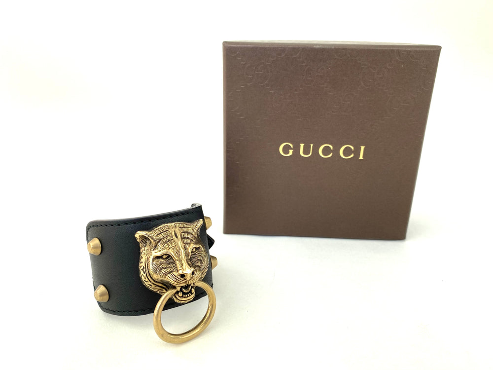 ❗️New Arrival ❗️  Gucci Gold Feline Head Pelle Toscano leather Cuff 🐯