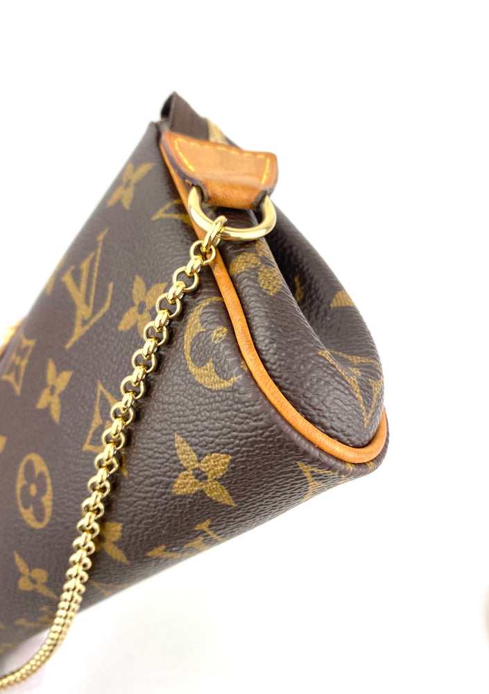 ❗️New Arrival❗️Louis Vuitton Monogram Eva Clutch