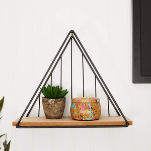 Farmlyn Creek Metal Triangle Wall Mounted Shelf, Rustic Home Decor (11 x 9 x 3.8 in)