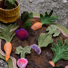 """How Does Your Garden Grow?"" // SMALL Felt Garden Playset // Montessori Classroom Work"