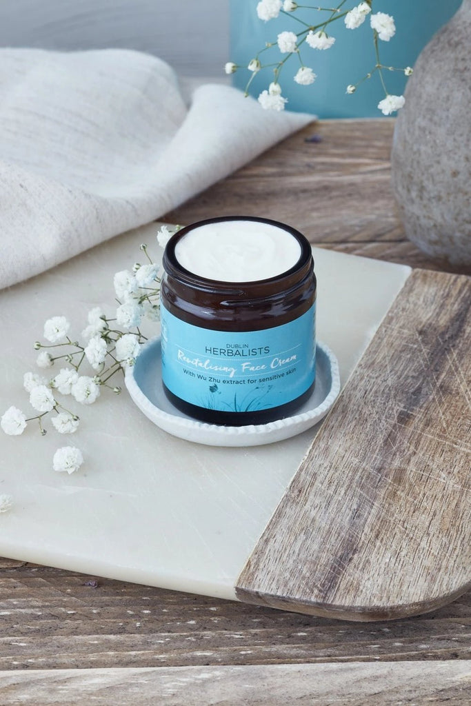 Revitalising Face Cream With Wu Zhu Extract for sensitive skin